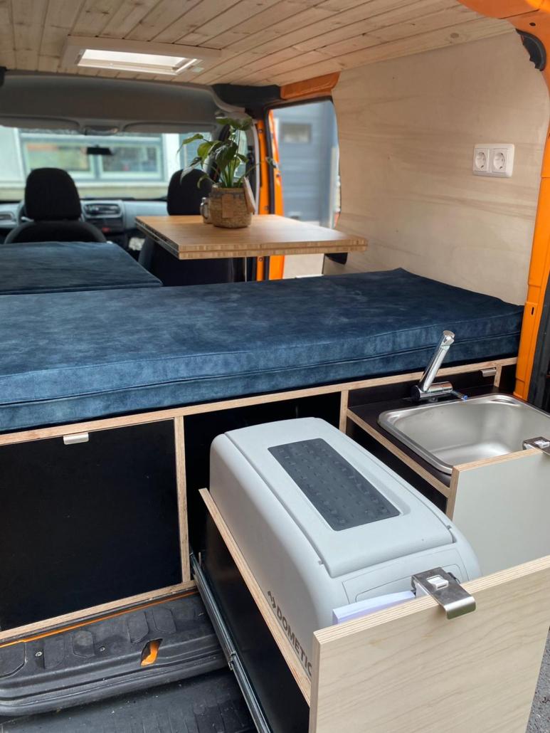 Opel Combo Camper met buitenkeuken